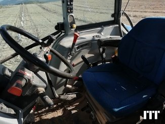 Farm tractor New Holland T5050 - 2