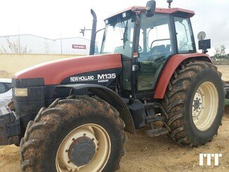 Farm tractor New Holland M135 - 1