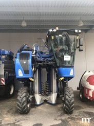 Grape harvesting machine New Holland 9090X - 1