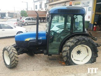 Farm tractor New Holland TN 95F - 2