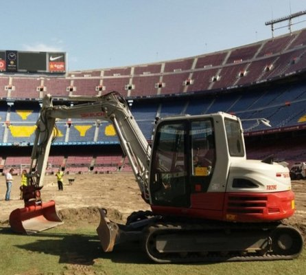 ITT CM93 Barcelona and its Takeuchi TB290