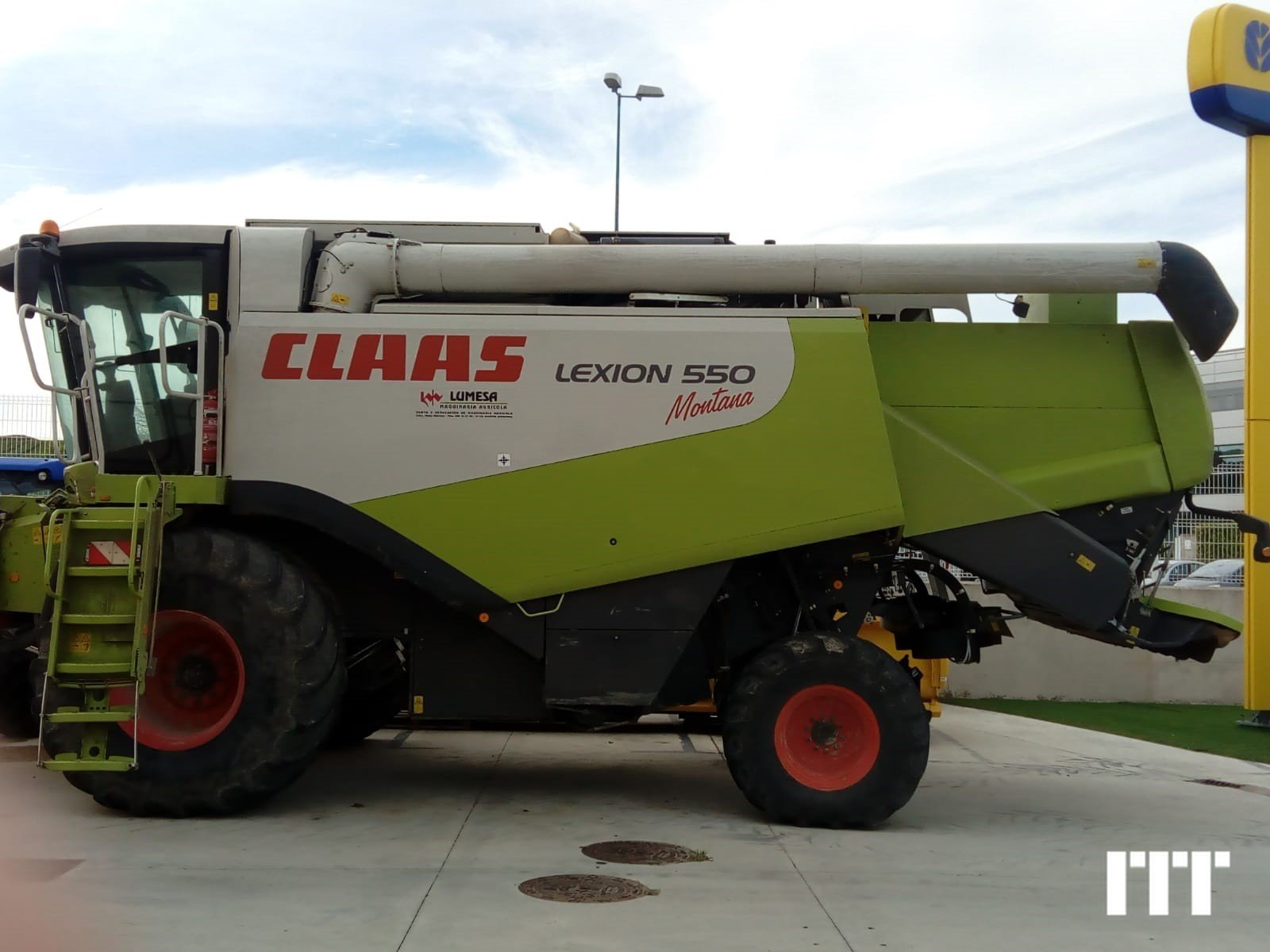 Combine harvester Claas LEXION 550 - 1