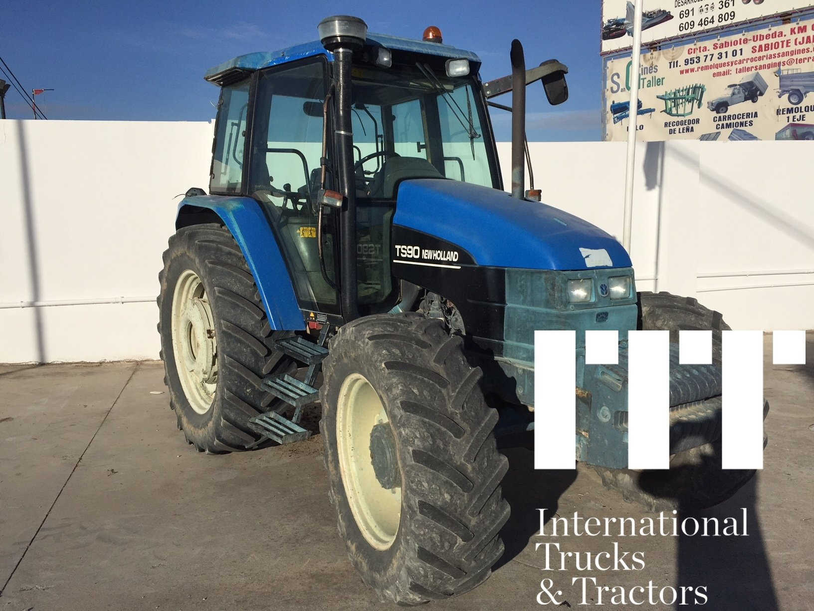 Farm tractors New Holland TS 90 - 1