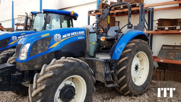 Farm tractor New Holland TD5.95 - 1