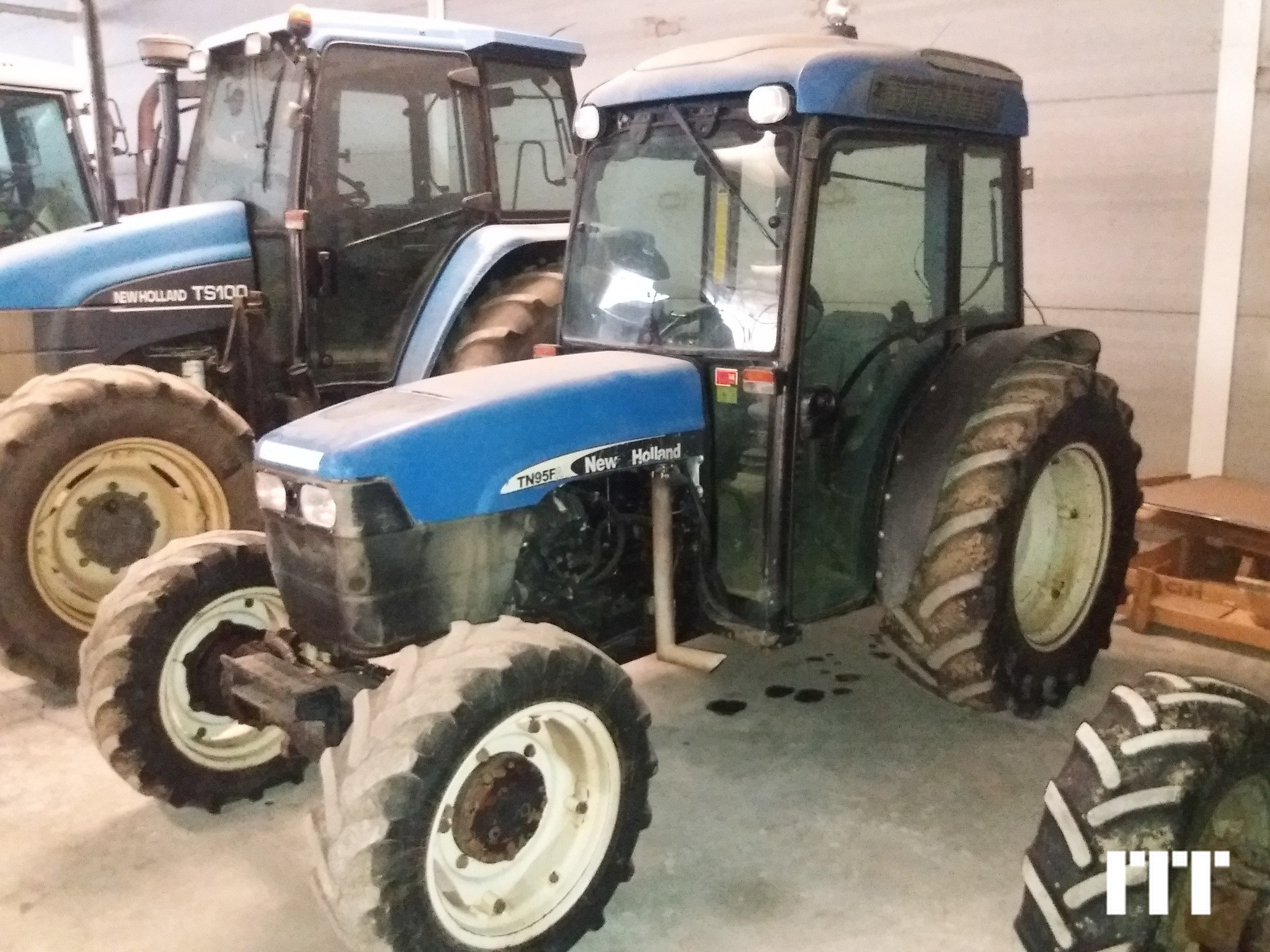 Farm tractors New Holland TN 95F - 1